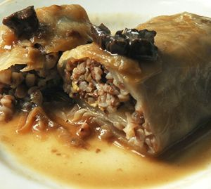 Cabbage rolls with buckwheat and dried mushrooms