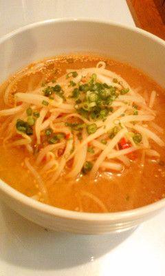 もやし味噌スープ  13/9/6つくれぽ100人感謝☆ 主材料モヤシだけ!簡単スピードメニュー。  これ一杯で満腹になるのでダイエットにも☆