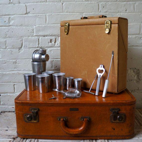 17 best images about vintage travel bars portable pubs - Mobile bar vintage ...