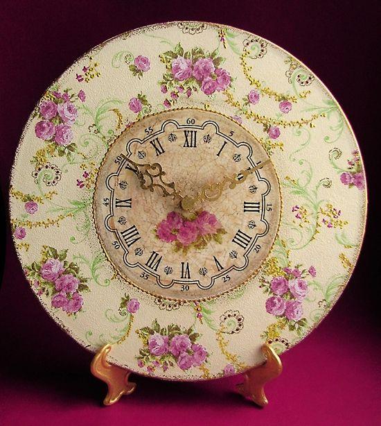 """Часы из пластинки """"Малиновые розы"""""""