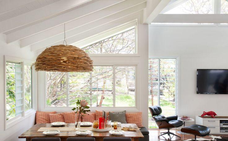 Không gian giữa phòng ăn và phòng khách. Tạo hướng mở và hài hòa cho không gian. - Kitchen & Living room space
