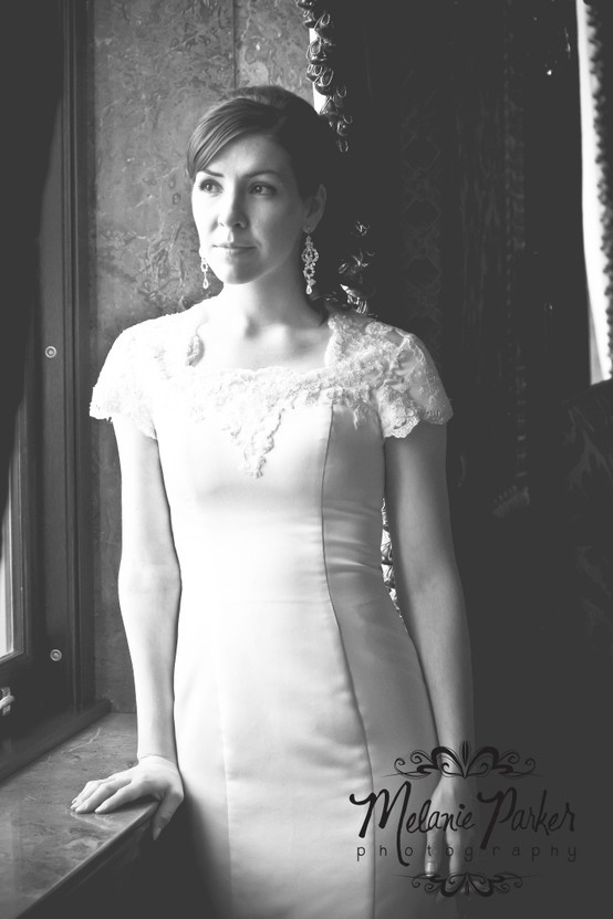 Bridals at the Utah State Capitol Building.... so pretty.   www.melparkerphoto.blogspot.com