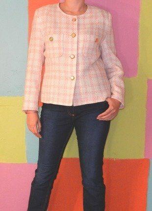 À vendre sur #vintedfrance ! http://www.vinted.fr/mode-femmes/blazers/35443437-veste-court-tartan-carreaux-rose-pale-t42-lewinger-demi-saison-vintage-retro-chic