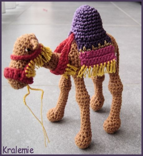 Knitting Patterns Christmas Figures : 1000+ images about Kamelen on Pinterest