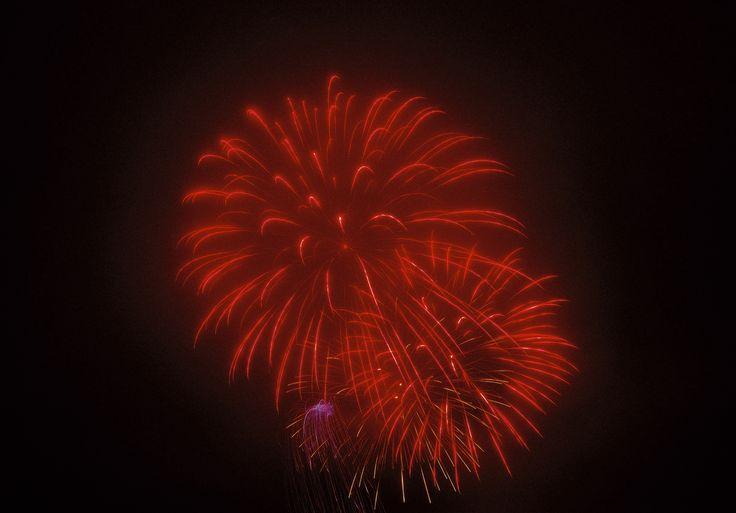 "https://flic.kr/p/XzxVLd | Cloudy fireworks._SDI1392 | Camera : SIGMA sd Quattro  "" Foveon "" "" Foveon X3"" "" SA-mount "" "" sdQuattro "" Lens:SIGMA 24-35mm F2 DG HSM | Art A015 "" SA-mount "" SIGMA Photo Pro"