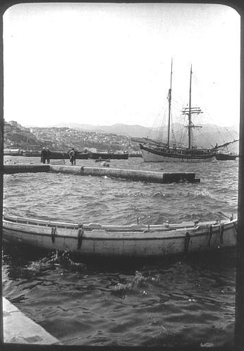 Izmir; Dans le port, voilier PhotographeRoy, Lucien (architecte) Date prise vue 1908