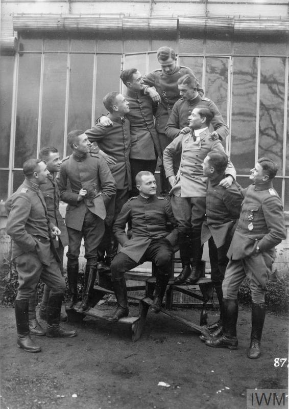 Captain Manfred von Richtofen with the officers of the Jagdstaffel 11. From left to fight - unknown, unknown, Kurt Wolff, Ernst Udet, Werner Voss, unknown, Friedrich Noltenius, Karl Emil Schafer, unknown, Karl Allmenroder.