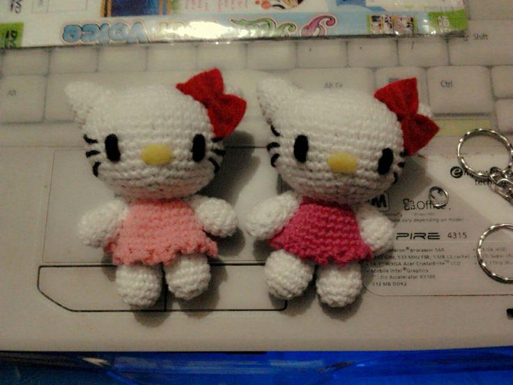 Twin hello kitty