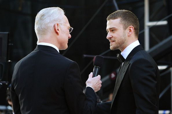 Justin Timberlake Photos Photos - Stylist Tim Gunn (L) and actor Justin Timberlake arrive at the 83rd Annual Academy Awards held at the Kodak Theatre on February 27, 2011 in Hollywood, California. - 83rd Annual Academy Awards - Arrivals