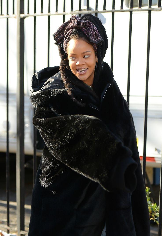 11-23-16 - Rihanna on set of 'Ocean's 8' in NYC