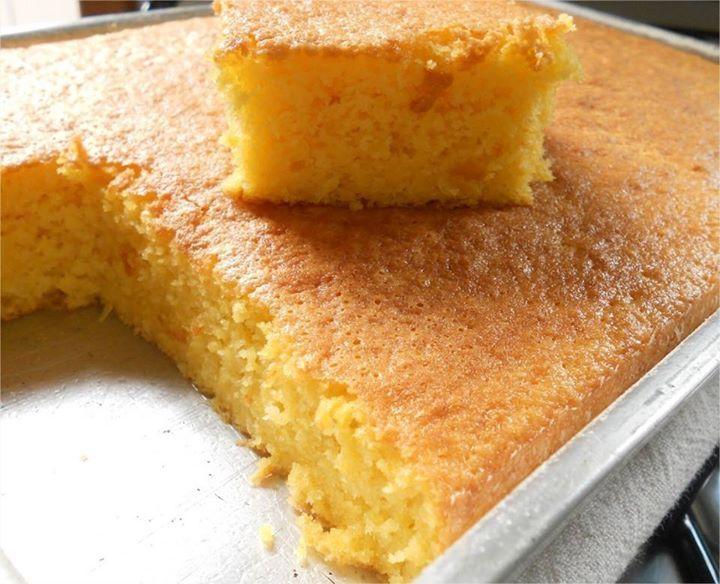 Hoje é um dia tão legal! Por quê? É sexta feira e pra ficar melhor é só começar com um bolo de milho cremoso \o/ - Aprenda a preparar essa maravilhosa receita de Bolo de milho cremoso