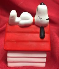 Snoopy Dog House Salt Pepper Shakers Peanuts Vintage 2 Pieces B & M NYNY Nice