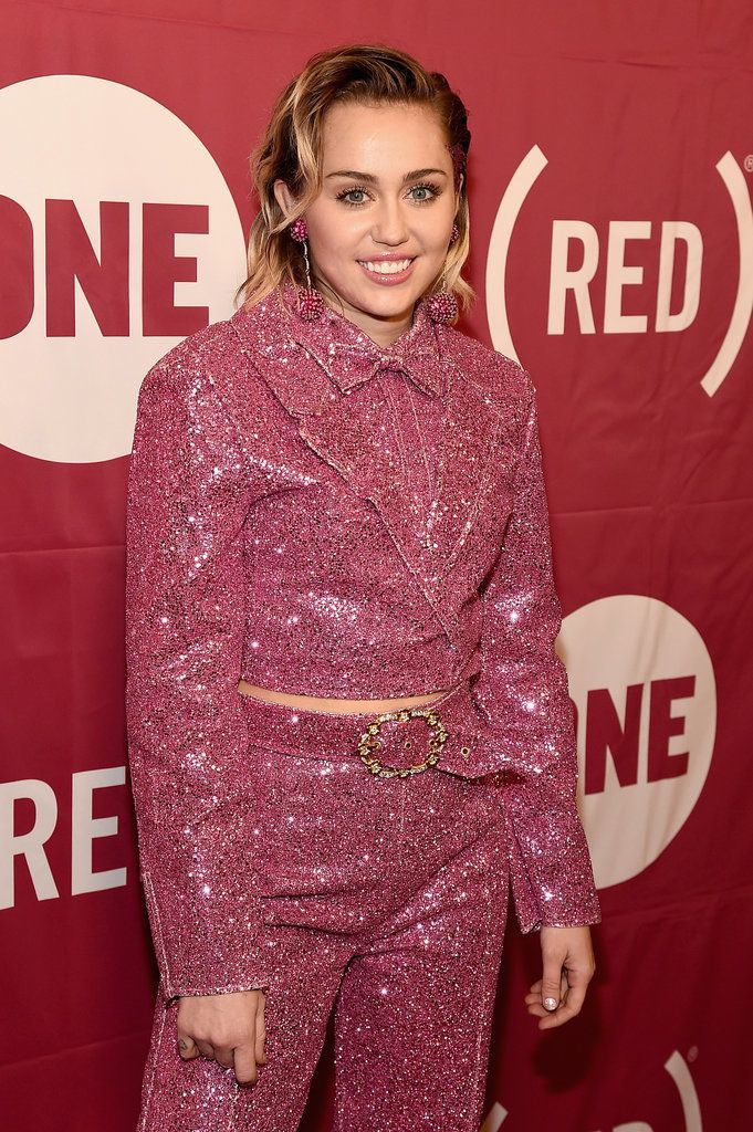 Miley Cyrus Looks a Lot Like Her Old Self on the Red Carpet