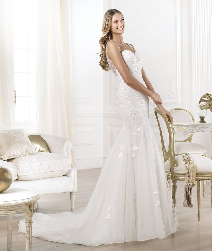 Pronovias presents the Lagara wedding dress. Fashion 2014. | Pronovias