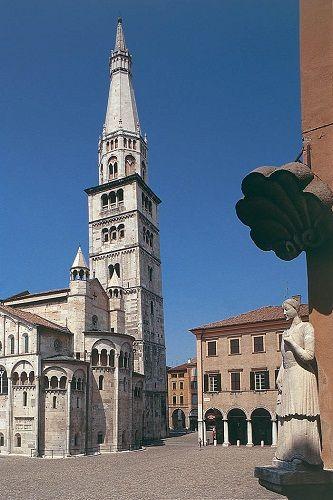 Modena: Per la Torre Ghirlandina 44mila visitatori nellanno 2016