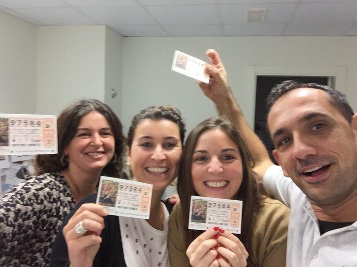 ¡El equipo del hotel Vincci Bit4* de #Barcelona emocionado tras comprar su cupón de Lotería! De izquierda a derecha: Lorena Fernández, Administración, Diana Pita, Subdirección, Claudia Barberán, Grupos, Joaquín Diestro, Economato.¡Mucha suerte!
