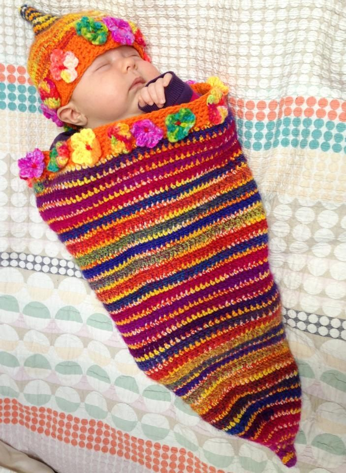 Baby Cocoon and hat. Pattern from Ravelry.