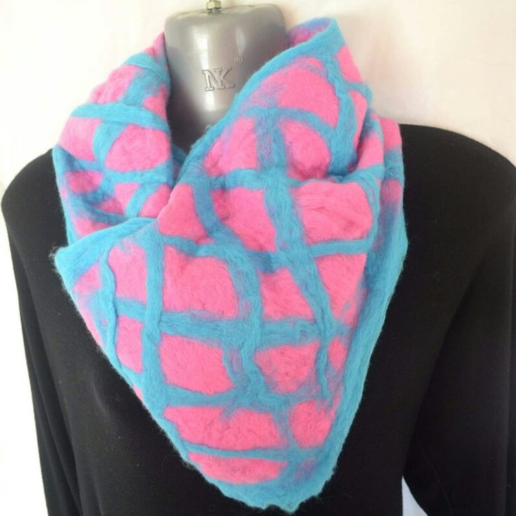 Find more of ny hand felted designs at www.facebook.com/leahsdesignkingdom