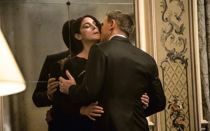 Monica Bellucci and Daniel Craig getting intimate in SPECTRE