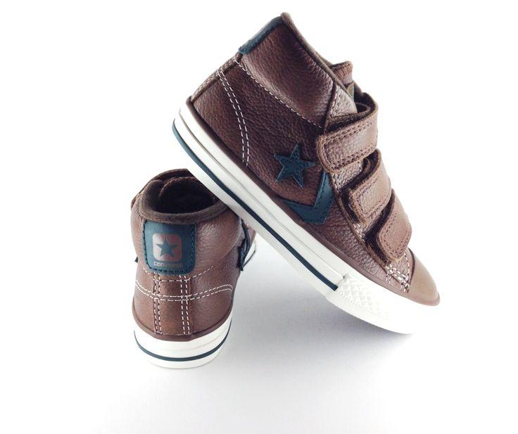 sentar fax extraño  Ideal bota Converse en color marrón y con triple velcro para mayor ajuste.  Con detalle lateral de la estrella característic…   Zapatos para niñas,  Converse, Zapatos