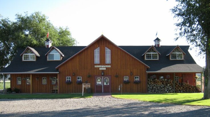 38 best images about barns on pinterest barn with living for Gambrel barn plans with living quarters
