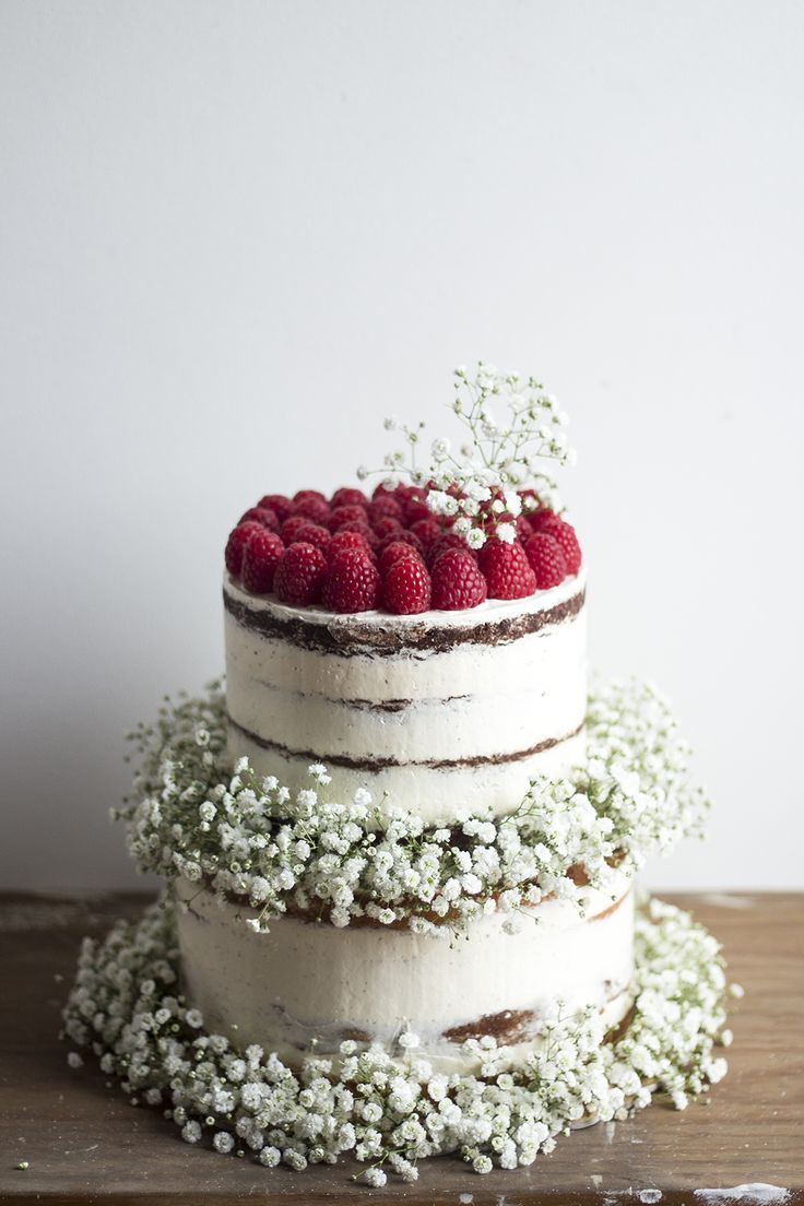 Semi Naked Cakes With Raspberries Amp Baby S Breath