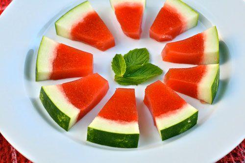 It's jello shot time again! Watermelon mint jello shot recipes complete with rind!: Recipe, Mint Jello, Jelloshot, Eating, Shots Watermelon, Watermelon Jello Shots, Watermelon Mint, Parties Time, Watermelon Rind