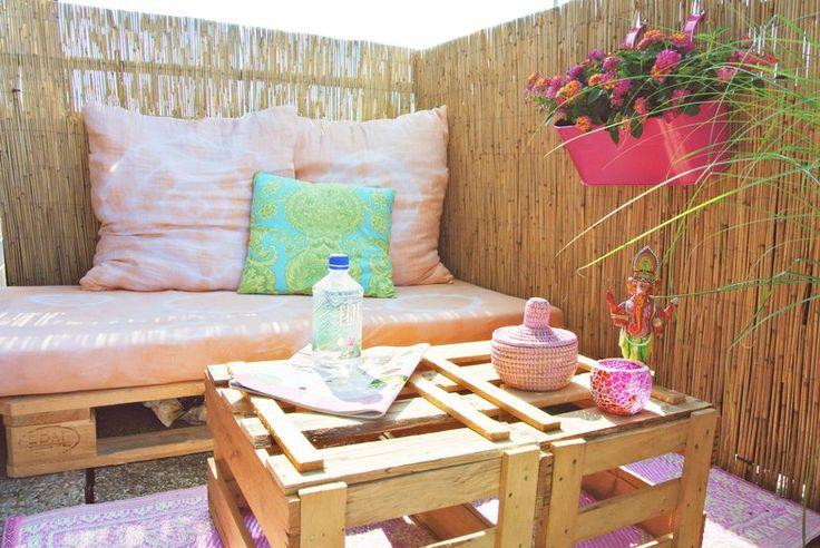 Sitzecke balkon paletten interessante ideen for Balkon orientalisch gestalten
