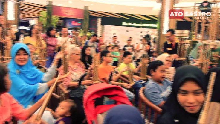 Serunya Bermain Angklung Saung Udjo di AEON Mall BSD 1