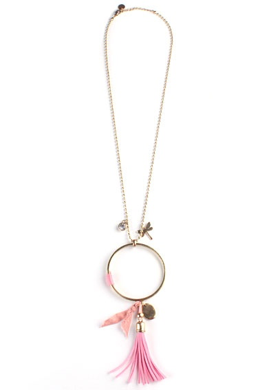 Collar Atrapasueños Rosa - Collar largo de cadena con diferentes abalorios de color rosa. Cierre de mosquetón.  Pulsera perteneciente a la colección de bisutería de la marca Filles du Thé.
