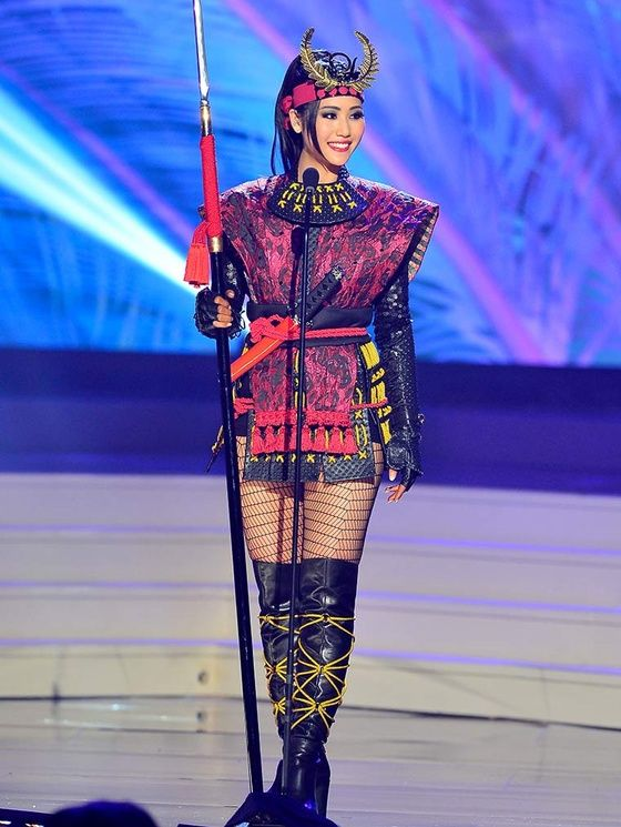 miss univers 2015 costumes nationaux 6 Japon