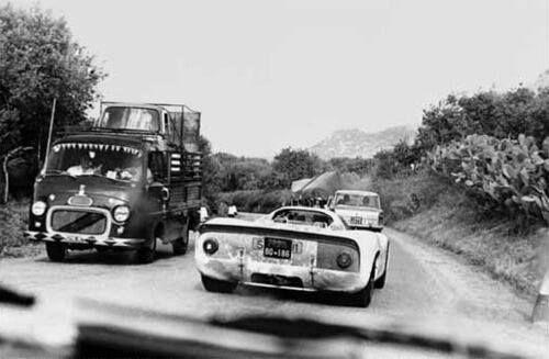 """Targa Florio - Traffic at """"Targa""""."""