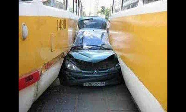 Maak je eigen auto kleiner zodat parkeren makkelijker wordt.