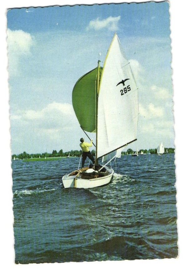 1939 De Valk van Ricus van de Stadt voor Bruynzeel / The Falcon by Ricus van de Stadt.  In 1939 Kees Bruynzeel, director of the Bruynzeel carpentry factory in Zaandam, threw a door of plywood in the water. To prove plywood to be waterproof, Bruynzeel ordered the young designer E.G. van de Stadt to design him a sailboat for the Dutch lakes. The Falcon was the first tour boat that was manufactured industrially. In 1979 Laus van den Berg had the idea to manufacture the Falcon of polyester.