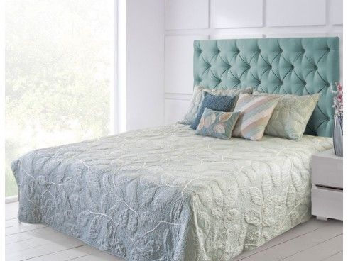 Crewel Embroidered Blue / Off White Machine Quilted Cotton Bedspread