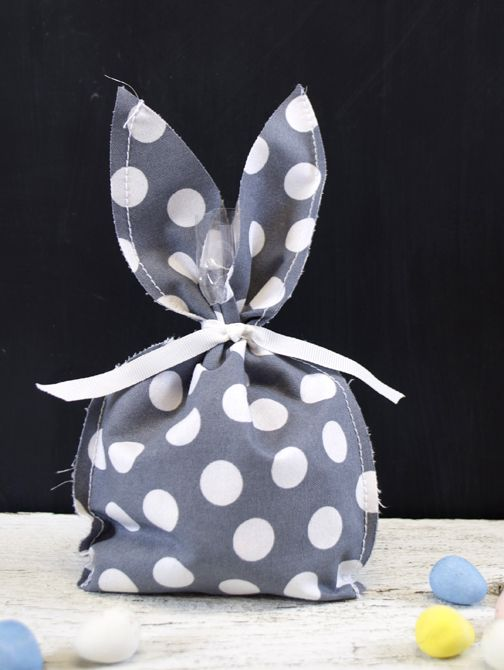 DIY fabric bunny treat bag made with the Silhouette (Easter Project)