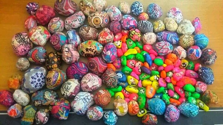 Wrapped rocks & tattooed pebbles  by Jessica Holmstrom Clark. July 2017