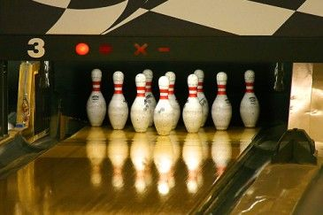 Bowling + 9 other family activities for Father's Day