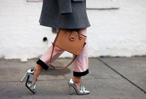 Картинки по запросу с чем носить серебряные туфли