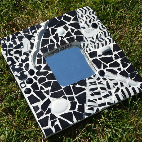 die 25 besten ideen zu mosaikspiegel auf pinterest lila spiegel mosaikkunst und. Black Bedroom Furniture Sets. Home Design Ideas