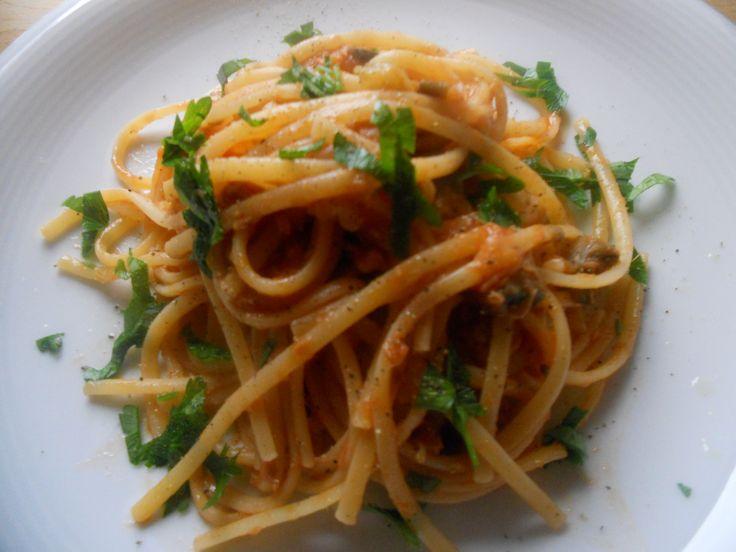 Linguine al sugo di tonno, melanzane e limone | Ricette della Nonna