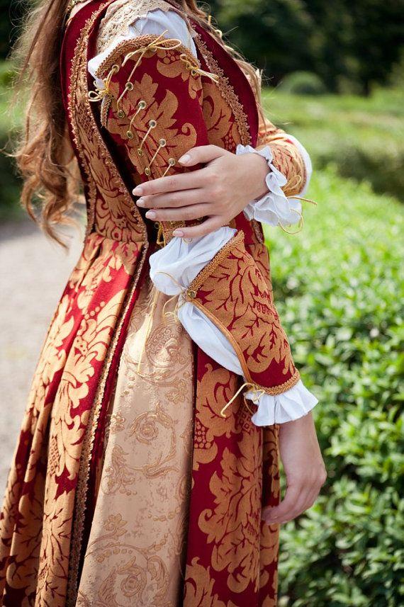 Traje renacentista italiano hecho a la medida de otra tela