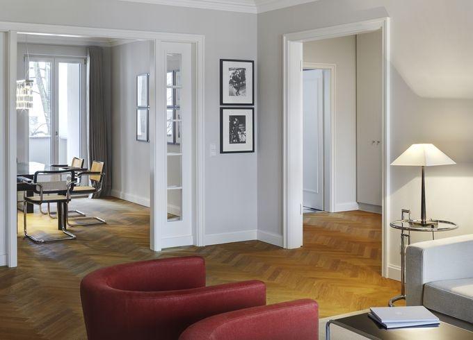 die besten 25 t ren und b den ideen auf pinterest fischgr ten etagen fischgr tenholzb den. Black Bedroom Furniture Sets. Home Design Ideas