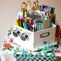 http://whipperberry.com/diy-creative-station-for-the-family/