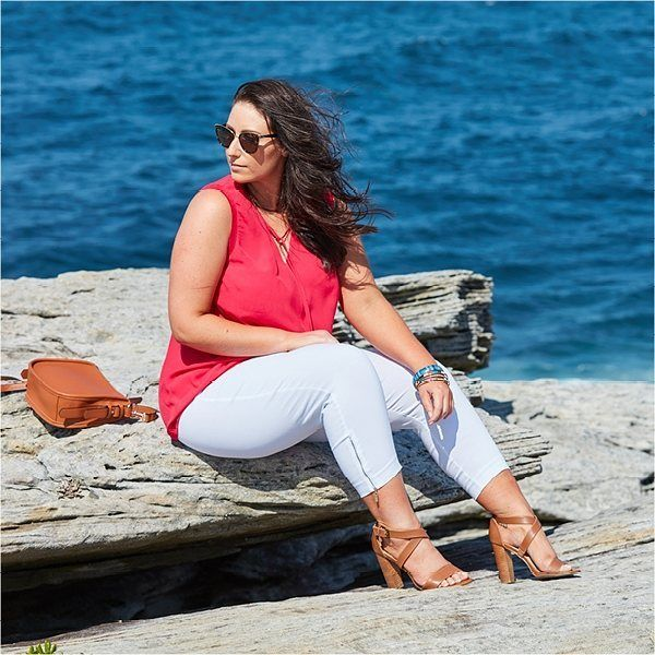 Balance out a vibrant pop of colour with a monochrome coloured pant to really stand out from the crowd.   PLUS SIZE FASHION autographfashion.com