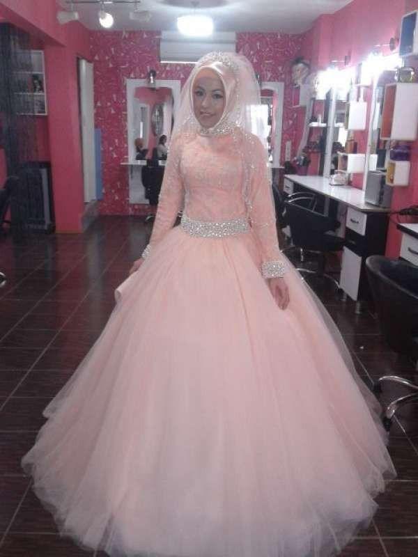 Ball Gown Muslim Long Sleeve Wedding Dress Beaded Belt Dubai Arabic Bride High Neck
