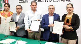 Firman IAIPO y PRI acuerdo estatal por la transparencia