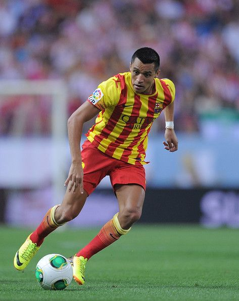 Alexis Sanchez of Barcelona in action during the Spanish Super Cup first leg match between Atletico de Madrid and Barcelona at Vicente Calderon Stadium on August 21, 2013 in Madrid, Spain.