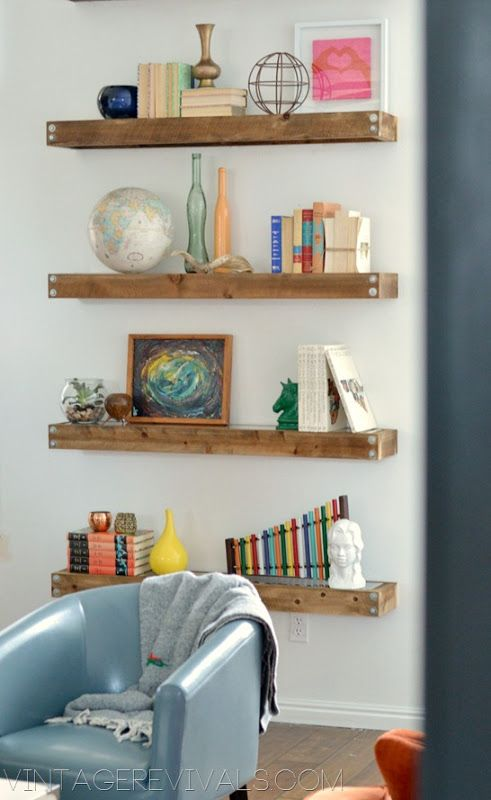 DIY Repisas industriales de madera.  Tutorial: http://www.vintagerevivals.com/2012/12/diy-industrial-modern-floating-shelves.html