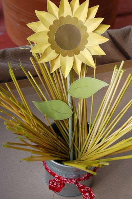 Tutorial ~ Girasoles de Papel por Fara Party Design. #sunflower #paper #tutorial #papel #girasol